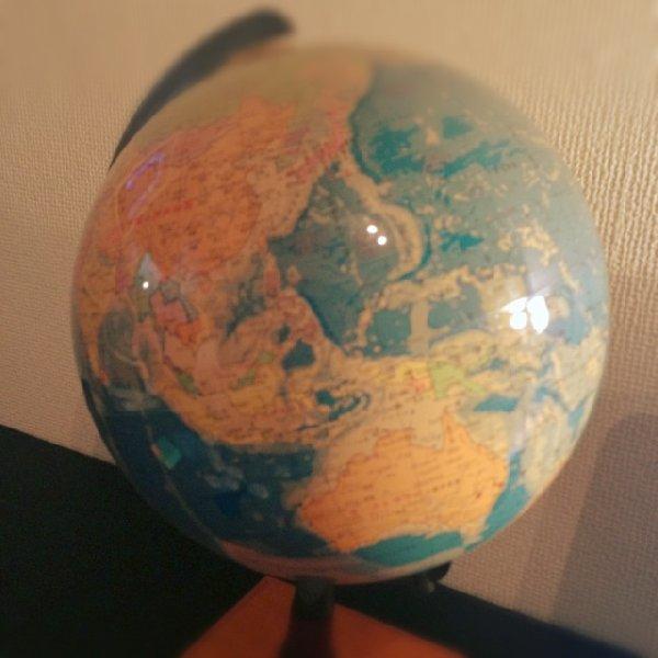 マノリンオフィスの「地球儀」